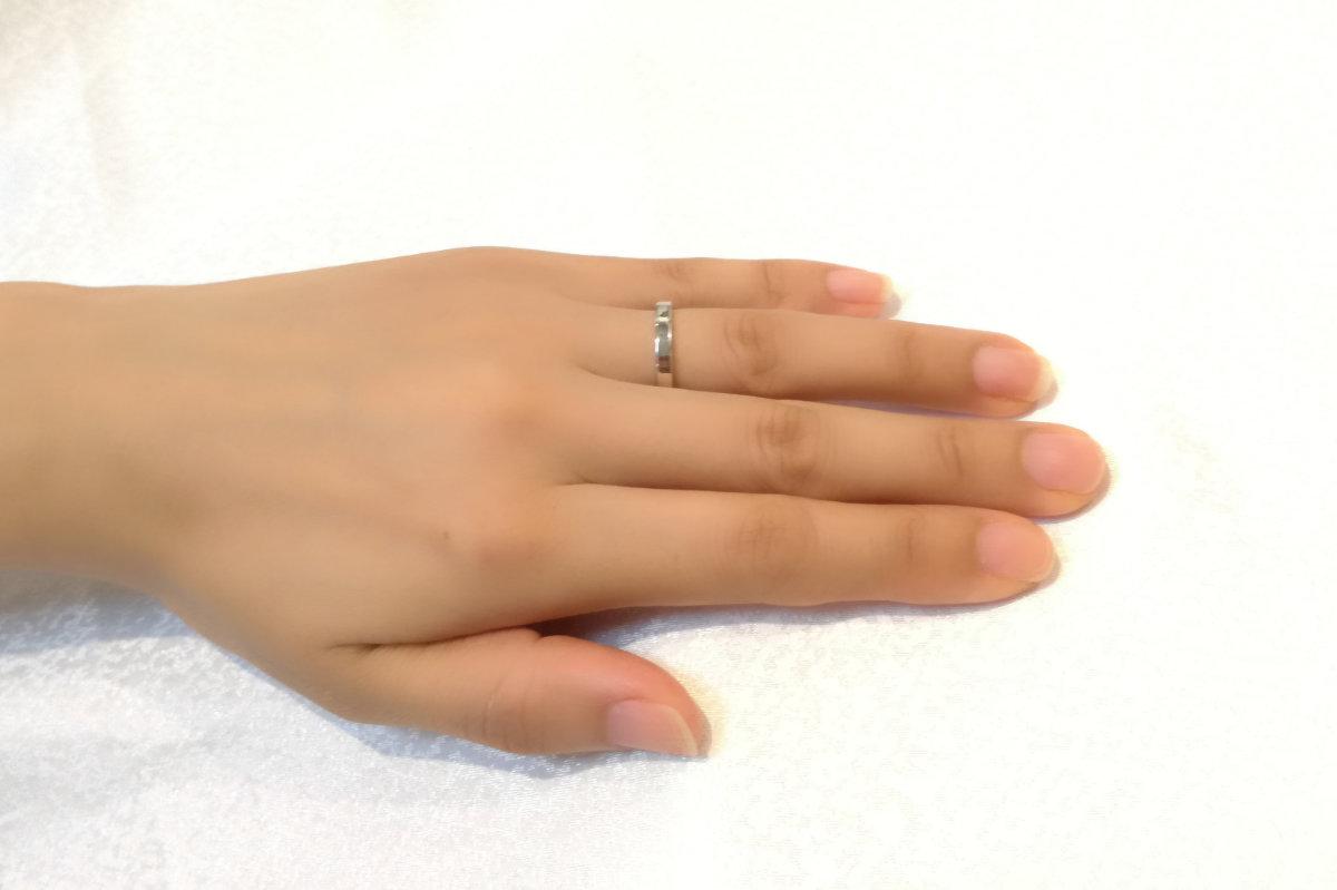 標準的な幅の結婚指輪